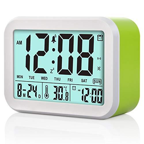 LilyJudy Reloj despertador digital con 3 alarmas inteligentes opcionales de la semana con función Noctilucente y Snooze y visualización de la temperatura para adultos estanterías, dormitorios