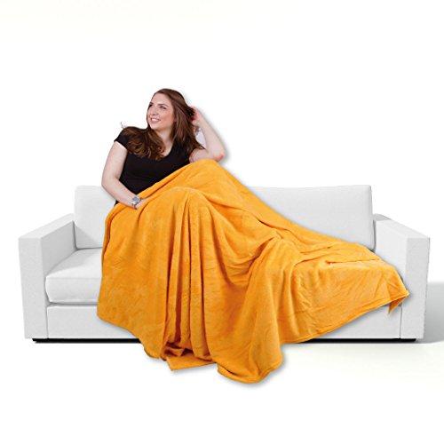Bestgoodies Kuscheldecke 90x140cm in Orange, supersofte Tagesdecke in vielen Varianten erhältlich