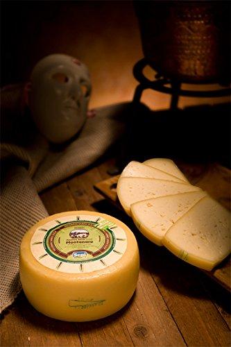3 kg - Pecorino Sardo Pdo Dolce, made by Sepi, with a delicate flavor Sardinian fresh cheese Pecorino sardo prodotto da Sepi Formaggi