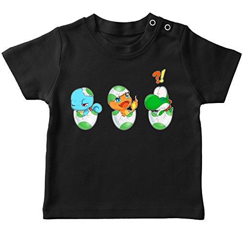 OKIWOKI Funny Yoshi - Pokémon Black Baby's T-shirt - Yoshi, Charmander en Squirtle (Yoshi - Pokémon Parody) (Ref:885)