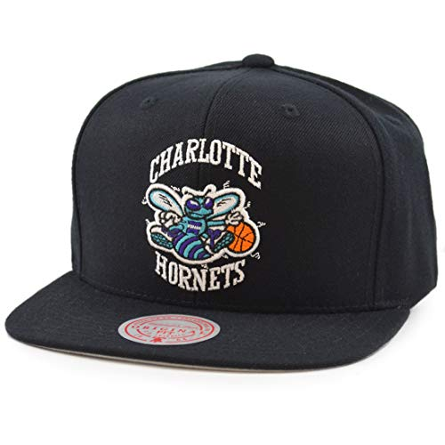 Mitchell & Ness Wool Solid Snapback Charlotte Hornets Black