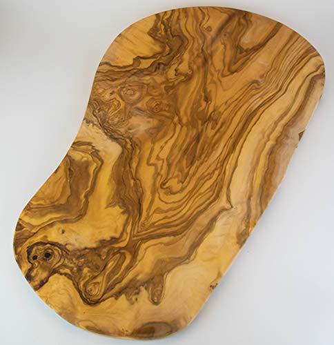 allesOlive | Tabla de cortar grande y rústica de madera de olivo en diferentes longitudes | El diseño y el tamaño de la tabla de cortar es individual y, por lo tanto, un ejemplar único (61-65 cm).