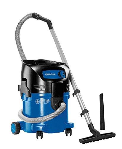 Nilfisk 107413590 - Aspirador en húmedo y seco, 3700 l/min, 30 l, 1500 W, 230 V, color negro y azul