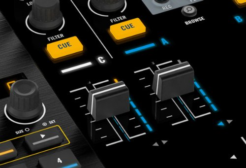 『NATIVE INSTRUMENTS TRAKTOR KONTROL S4』の6枚目の画像