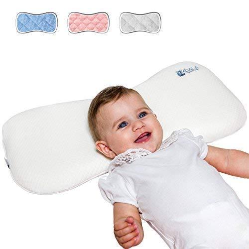Cojín Ortopédico para bebe 0-36 Meses Plagiocefalia desenfundable por la cama (con dos cobertores) para prevenir y curar la Cabeza plana in Memory Foam Antiasfixia - KoalaBabycare® - Blanco - Maxi