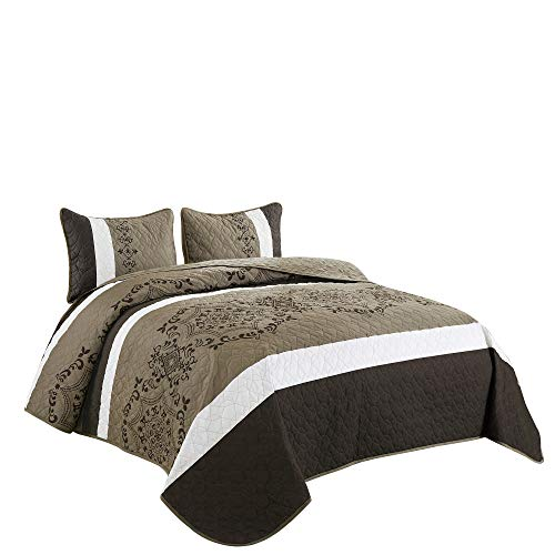 WPM Victoria Medallion Print King Size Quilt Set with Pillow Sham Brown Beige Bedspread Bed English Style Quilted Theme Bedroom 3 Piece Coverlet (Elizabeth Brown, King)