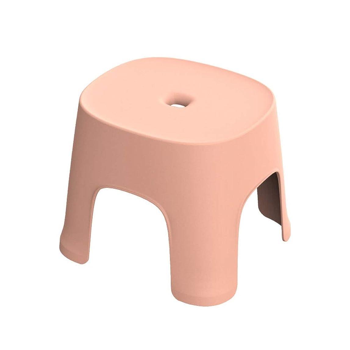 アルミニウムミッション通貨LMCYP 四脚プラスチックスクエアスツール、シンプルな家の小さな椅子、大人の子供用バスルームのシャワースツール、ラウンドチェンジシューベンチ、コーヒーテーブルベンチ (色 : ピンク)