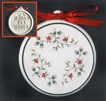 Pfaltzgraff Winterberry Cookie Mold/Press, Fine China Dinnerware