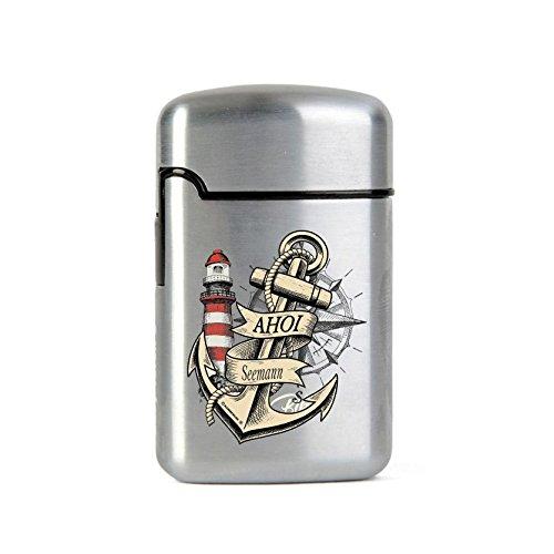 EASY TORCH8 Gasfeuerzeug Outdoorfeuerzeug Sturmfeuerzeug - nachfüllbar Bedruckt anstelle Gravur - Schweres gebürstetes Metall - Original AHOI Seemann mit Leuchtturm, Kompass und Steuerrad Motiv