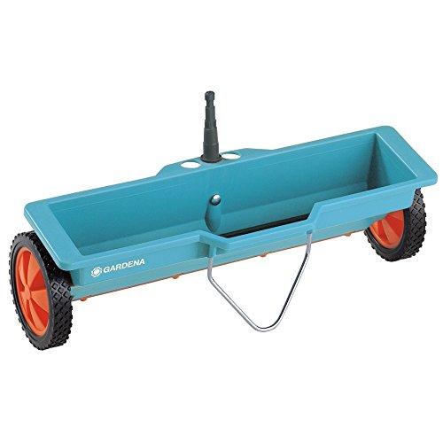 Gardena combisystem-Streuwagen: Düngerstreuer mit 40 cm Streubreite und 3 L Fassungsvolumen, für Ausbringung von Streugut, witterungsbeständig und kompatibel mit allen combisystem-Stielen (420-20)