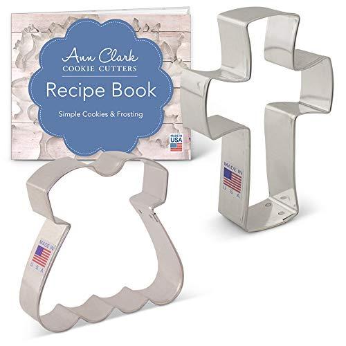Ann Clark Cookie Cutters Juego de 2 cortadores de galletas bautizo / primera comunión con libro de recetas, vestido y cruz cristiana