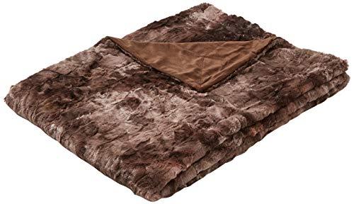 Amazon Basics - Manta de piel sintética, 150 x 200 cm, color marrón