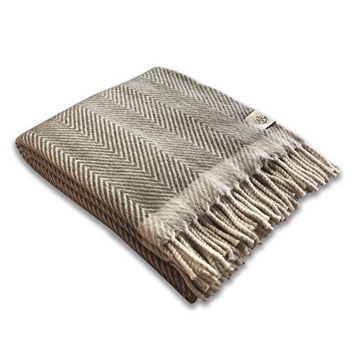 Craft Story Wolldecke Zara I ca. 140x200 cm I Dunkelgrau/Creme I 100% Reine Schurwolle I Wohndecke I Schurwolldecke I Schafswolle I Wool-Plaid I