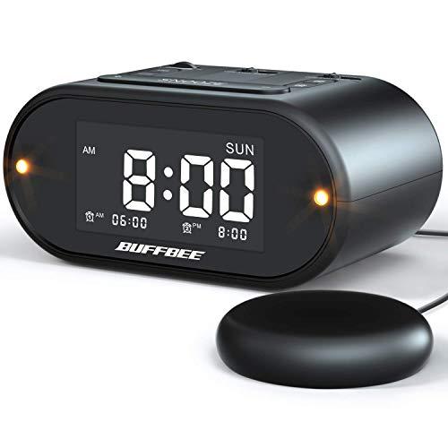 BUFFBEE - Vibrationswecker für Tiefschläfer - Extra lauter, Blinkendes Alarmlicht, Breitband Display-Dimmer, USB-Ladegerät, Batterie-Backup, Ideal für Schlafzimmer, Mit Vibration