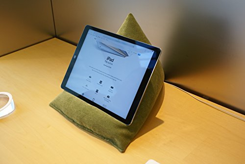 Edge Beanbags Techbed Maxi iPad PRO da 12,9', Tablet di Grandi Dimensioni, eBook Reader e Book Stand Cuscino di Supporto per Borsa di Fagioli per Tutti i dispositivi Fino a 12,9' (Verde)