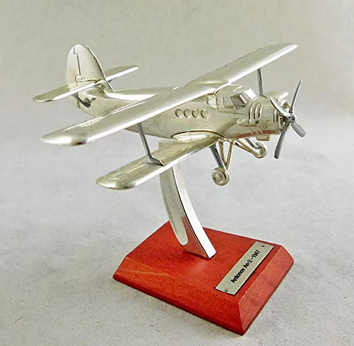 Seven Secrets | - Balanza de avión biplano Antonov An-2-1947 1:200 bañada en Plata | HB08