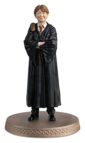 Eaglemoss Harry Potter's Wizarding World Figurine Collection: Ron Weasley with Scabbers Figurine