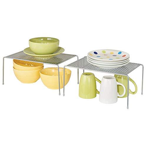 mDesign Juego de 2 estantes de cocina – Soportes para platos individuales de metal – Pequeños organizadores de armarios para tazas, platos, alimentos, etc. – plateado