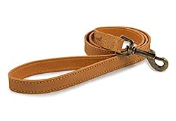 Top-grain bridle leather that has been hand-crafted Finished with a trigger hook in shining antique gold Treated with 3 meter leather protector Prevent staining from water, dirt and oil A lasting and beautiful accessory for your dog