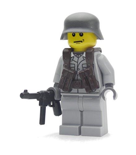 Deutscher Soldat   Ausgerüstet mit BrickArms Weste, MP40 und Helm   Bedruckte Custom Minifigur