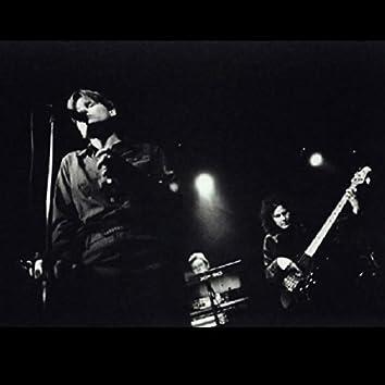 Mama Cry (Live at Luna Park)