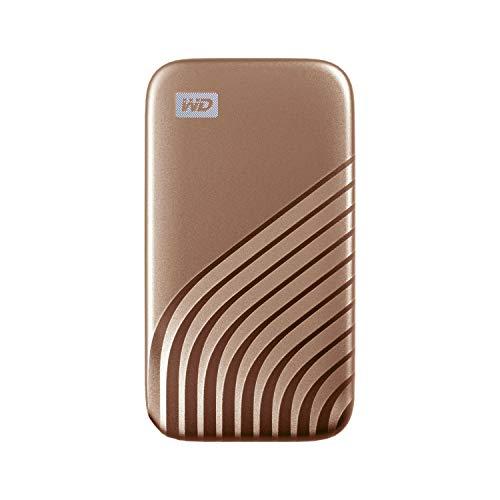 WD My Passport SSD 500 Go - Disque SSD externe avec technologie NVMe, USB-C, vitesses de lecture jusqu'à 1050 Mo / s et vitesses d'écriture jusqu'à 1000 Mo / s - Doré