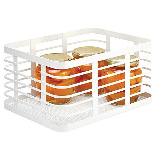 mDesign Caja multiusos de metal para toda la casa – Organizador de cocina, despensa, baño y más – Cesta de almacenaje de alambre, compacta y universal – blanco