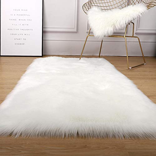 Meikeyi Super Soft Faux Sheepskin Rug Faux Fur Area Rug Fluffy Rug Plush Chair Cover Seat Pad Fuzzy Carpet Furry Besides Rug for Bedroom Floor Sofa Living Room(White Square : 2×3ft)