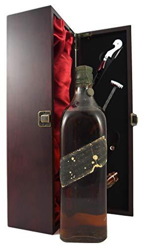 bottling Johnnie Walker Black Label Whisky 1930's in einer mit Seide ausgestatetten Geschenkbox. Da zu vier Wein Zubehör, Korkenzieher, Giesser, Kapselabschneider,Weinthermometer, 1 x 700ml