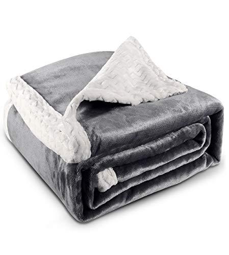 RATEL Kuscheldecke Doppelschicht Decke 150 × 200cm Grau, 460GSM Upgrade Flanell Weiche Flauschige Fleecedecke, Mikrofaser Wohndecke/TV Decken/Sofadecke - Pflegeleicht - Warm, Gemütlich, Langlebig