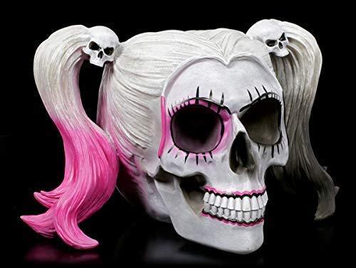 Figuren Shop GmbH Weißer Gothic Totenkopf mit Girlie-Frisur - Little Monster | Fantasy Tischdeko, handbemalt