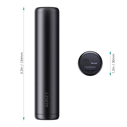 AUKEY Power Bank 7000 mAh con Uscita 5 V 2 a, Ultra Compatta Batteria Esterna per iPhone, Samsung, iPad e Altri (Nero)