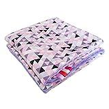 Minky Babydecke Kuscheldecke Krabbeldecke Decke Super weich und flauschig Handarbeit (75x100cm, Dreiecke Bunt Lila)