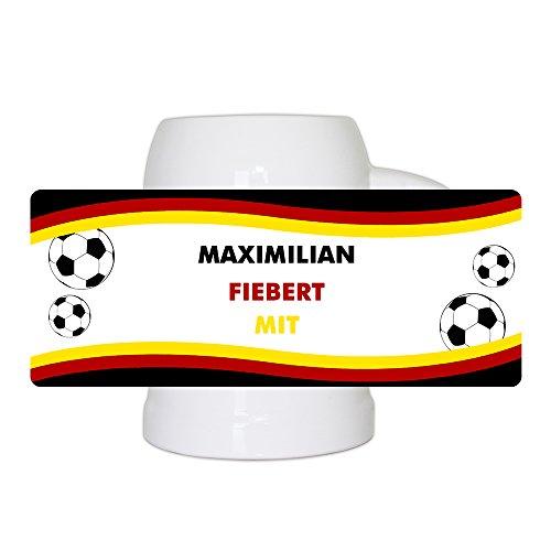 Fußball-Bierkrug mit Namen und Motiv - Maximilian fiebert mit - für Deutschland-Fans - Fan-Bierkrug personalisiert - Deutschland-Krug - Bierhumpen