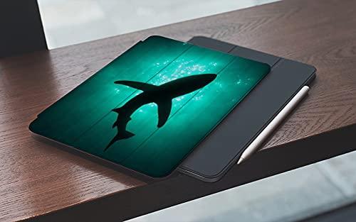 MEMETARO Funda para iPad (9,7 Pulgadas 2018/2017 Modelo), Foto de Gafas submarinas Ballenas Negras en Aguas Profundas Smart Leather Stand Cover with Auto Wake/Sleep