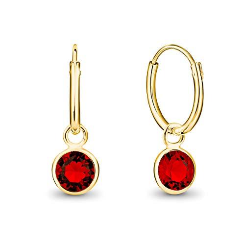 DTPsilver Pendientes de Aro Pequeños con colgante de Cristal Swarovski Elements Forma Redonda - Plata de Ley 925 Plateado en Oro Amarillo - Espesor 1.5 mm - Diámetro 14 mm - Color: Rojo Siam