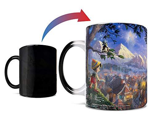 Disney – Pinocchio – Wishes Upon A Star – Thomas Kinkade – One 325 ml Morphing Mugs Farbwechsel-wärmeempfindliche Keramiktasse – Bild zeigt an, wenn heiße Flüssigkeit hinzugefügt wird.