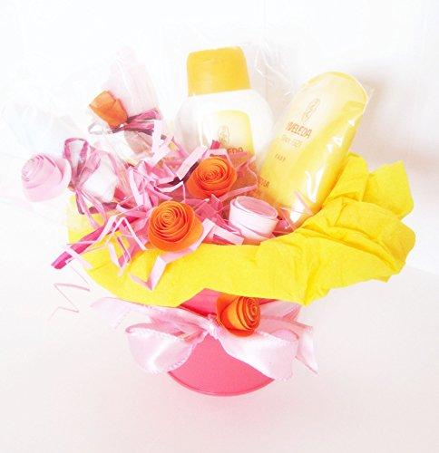 Idée cadeau pour bébé   Pot de fleur avec deux produits de calendula bio et deux\