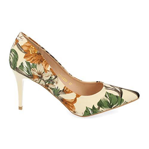 Zapato de Salon, con Tacon de Aguja, Estampado de Flores y de Punta Fina. Primavera Verano 2020. Talla 40 Beige