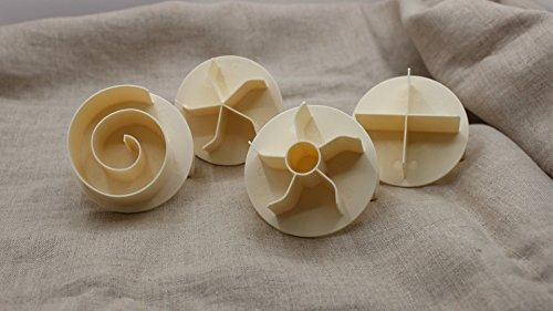 Bread Roll Stamp Dough Press Kaiser Roll Shaper German Bread Brotchen Puncher (Set of 4)