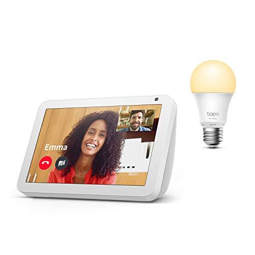 Echo Show 8, Tela de color gris claro + TP-Link Tapo Bombilla Inteligente (E27), compatible con Alexa