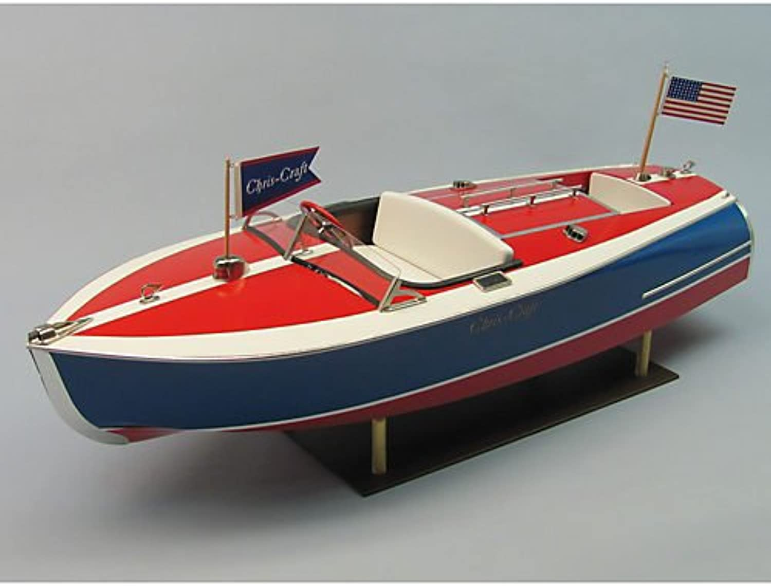 Dumas 1263 Chris-Craft Painted Racer L 610mm W 216mm Scale 1 8