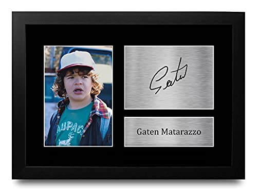 HWC Trading Gaten Matarazzo Stranger Things Dustin Henderson Gifts - Fotografía firmada para Fans de la TV Memorabilia - Marco A4