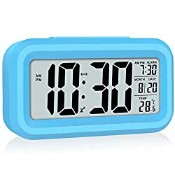 WulaWindy Led Display Digital Alarm Clock Battery Operated Smart Night Light Easy Operation Clock for Kids Heavy Sleepers Bedroom Clock Blue