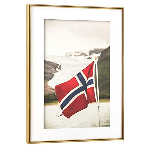 artboxONE Poster mit Rahmen Gold 30x20 cm Let's go Norway von Sebastian Worm - gerahmtes Poster