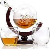 KPTKP Conjunto de decantadores de Whisky de Globo de 850 ml, con 2 x 10oz Map Vasos Grabados y Soporte de Madera, Regalos de Barras para Vino, Licor, Ginebra, Bourbon, Ron, Vodka