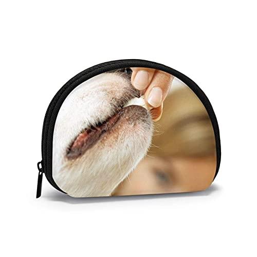 Feed The Dog Travel Shell Bolsas de almacenamiento de cosméticos portátiles para mujeres y niñas, monedero pequeño