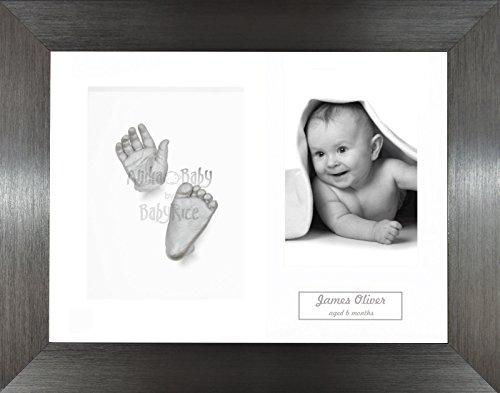 Anika-Baby Kit de moulage pour bébé Cadre 3 ouvertures Étain foncé Passe-partout blanc/fond blanc/peinture argenté 29,1 x 21,6 cm