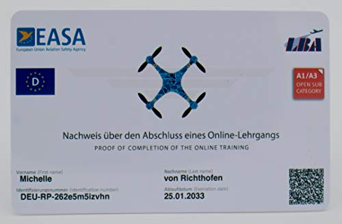 Roboterwerk Drohnenführerschein nach LBA-Vorgaben - EU-Kompetenznachweis A1/A3 und A2, mit QR-Code, Scheckkartengröße, hochwertige Plastikkarte mit 600dpi