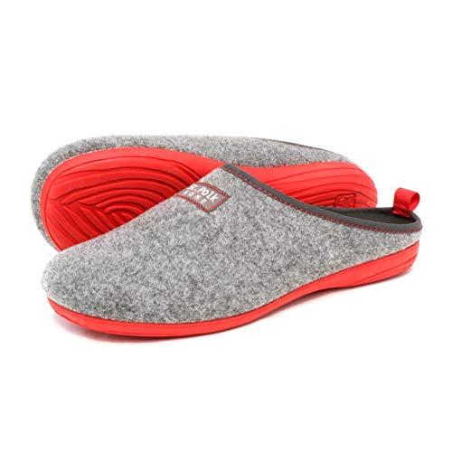 St.Polk® Zapatillas casa Mujer/Hombre Slippers Pantuflas de Estar por casa Fabricadas España Original Unisex Invierno/Verano máxima Comodidad Suela Caucho Plantilla Extraible (Gris/Rojo, Numeric_44)